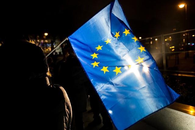 Rozporządzenie mówiące o powiązaniu unijnego budżetu z praworządnością zostało poparte przez większość krajów członkowskich.