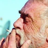 Dziesiątki godzin spędzanych przed komputerem, palenie papierosów czy przebywanie w zadymionych pomieszczeniach mogą znacznie osłabić Twój wzrok
