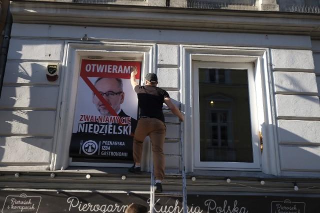 W Poznaniu wbrew rządowym obostrzeniom otworzyło się już kilkadziesiąt restauracji lub klubów. Jeśli otrzymają kary finansowe od Sanepidu, to mają dużą szansę na wygraną w sądzie