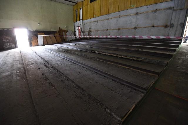 """W budynku dawnego kinoteatru """"Grunwald"""" rozpoczęły się prace budowlane"""