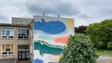 Z okazji Dnia Dziecka na osiedlu Wichrowe Wzgórze powstał mural z zeppelinami. Projekt powstał we współpracy z dziećmi