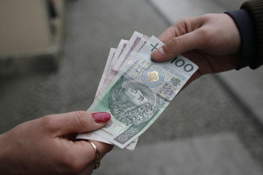 Średnio dłużnik alimentacyjny, który trafił do Krajowego Rejestru Długów, jest winien swojemu dziecku 29.200 zł. Do rejestru trafiło już 190 tys., a łączna wartość zaległych alimentów to 5 mld zł