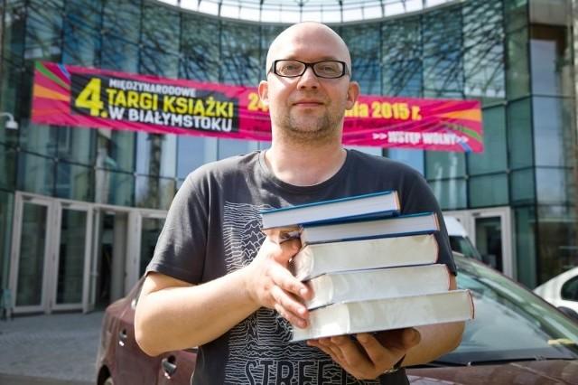 Piotr Brysacz z Fundacji Sąsiedzi zaprasza na Targi Książki. W piątek i sobotę będzie je można odwiedzić w godzinach  10-18.30, a w niedzielę od 10 do 16.