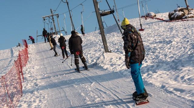 Narciarze i snowboardziści - co jedni mają do drugich?