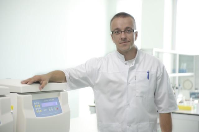 Dr Łukasz Kozera