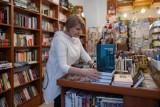 Polacy znów zaczęli kupować książki. I to jak - wzrost o 30 procent!