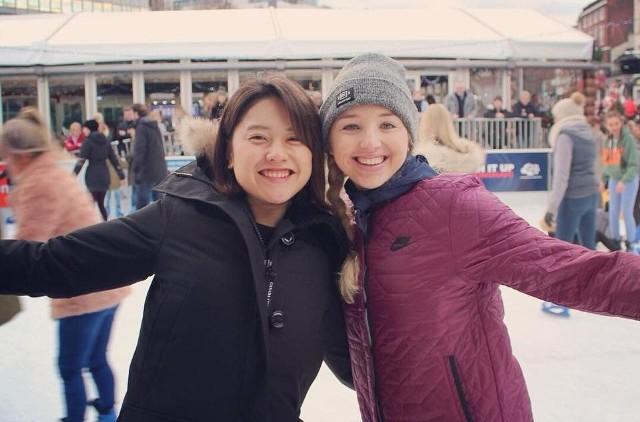 Karolina Kołeczek bardzo lubi jeździć na łyżwach.