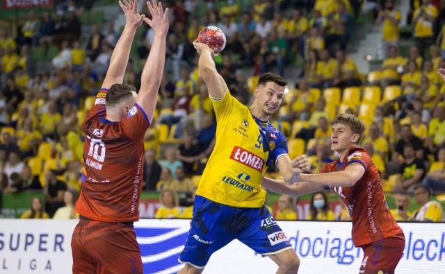 Szymon Sićko (z piłką) zagra przeciw swojej byłej drużynie.