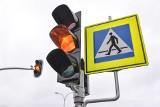 Bydgoszcz. Zapali się czerwone światło, jeśli przekroczysz prędkość. Na ul. Toruńskiej w Łęgnowie pojawi się nowa sygnalizacja