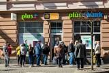 Zatrzymania w Plus Banku: Byli prezesi i członkowie zarządu banku usłyszeli zarzuty. Śledztwo prowadzi poznańska Prokuratura Regionalna
