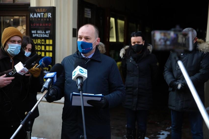 Restauratorzy krakowscy wielokrotnie protestowali przeciwko...