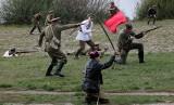 Na Błoniach Nadwiślańskich w Grudziądzu rekonstruktorzy odtworzyli potyczkę wojsk polskich z bolszewikami[zdjęcia]