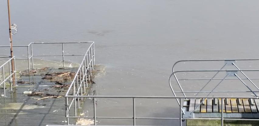7 marca o godz. 2 poziom wody w Wiśle może osiągnąć 733 cm.