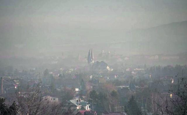 Mimo ryterskich wiatrów w Nowym Sączu aż 40-50 dni w roku jest bezwietrznych, co potęguje smog
