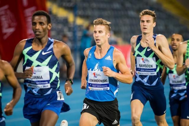 Pojedynek Marcina Lewandowskiego (na zdjęciu w niebieskiej koszulce) z Adamem Kszczotem w biegu na 1500 m będzie z pewnością ozdobą poznańskiego mityngu