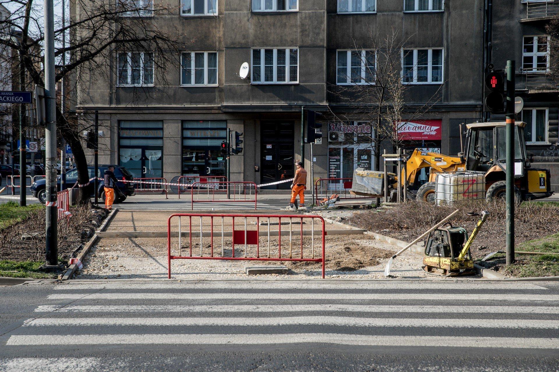Krakow Rozpoczal Sie Remont Chodnika Na Alei Slowackiego W Ramach
