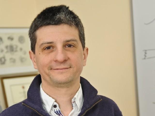 Prof. Maciej Wojtkowski - w oparciu o jego pracę magisterską w Zespole Fizyki Medycznej UMK powstał tomograf optyczny, który teraz używany jest przez okulistów