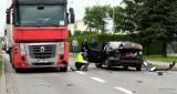 Wypadek w Człuchowie. Ranne jest dziecko. W czwartek 08.10.2020 na drodze krajowej 25 zderzyły się dwa samochody osobowe i tir (zdjęcia)