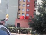 Dąbrowa Górnicza: Młody mężczyzna wypadł z okna na 10. piętrze na ul. Tysiąclecia