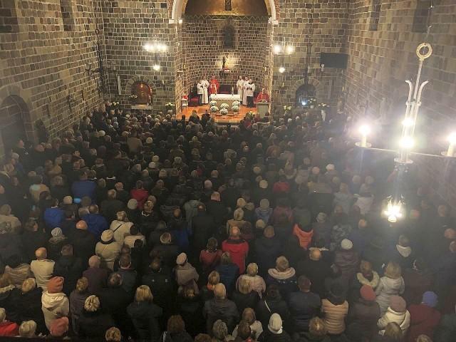 Rozważań rekolekcyjnych ks. Dominika Chmielewskiego słuchały w inowrocławskiej bazylice tłumy