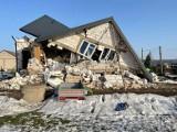Wybuch w miejscowości Kruszewo-Wypychy. Budynek złożył się jak domek z kart. Na pomoc rodzinie ruszyli sąsiedzi (ZDJĘCIA)