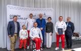 Paraolimpijczykom Startu Gorzów prezydent Jacek Wójcicki wręczył symboliczne czeki