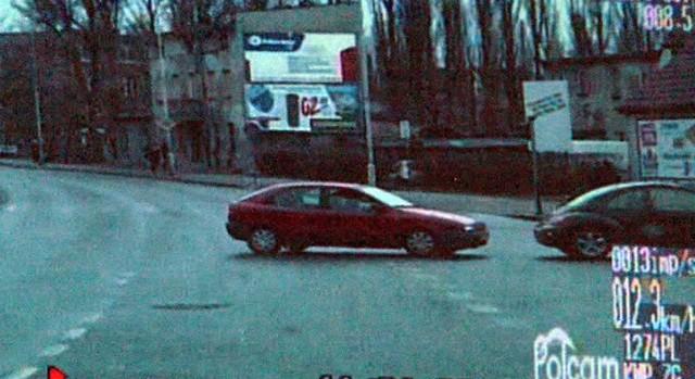 Prowadzący auto nie za bardzo rozumiał wykroczenie, którego był sprawcą.