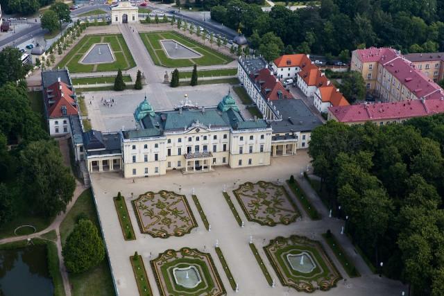 Centrum Edukacji Przedklinicznej miałoby się znajdować pod brukowanym dziś dziedzińcem honorowym Pałacu Baranickich