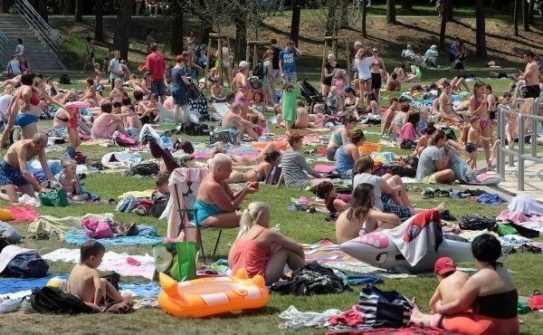 Czy wakacyjnym hitem będzie atrakcyjna plaża, czy może zupełnie inna atrakcja, to zależy tylko od wyobraźni naszych Internautów i Czytelników.