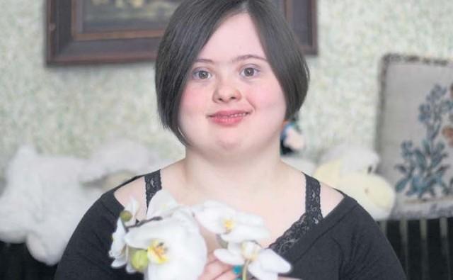 Basia Lewicka, która choruje na zespół Downa, stara się realizować w życiu w miarę możliwości