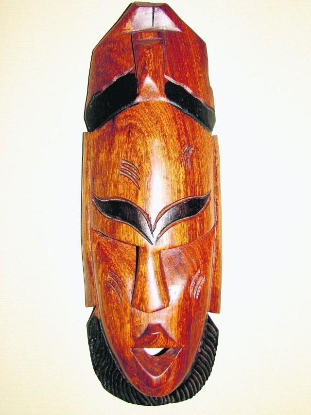 Maski są jednymi z najchętniej przywożonych pamiątek z Afryki.