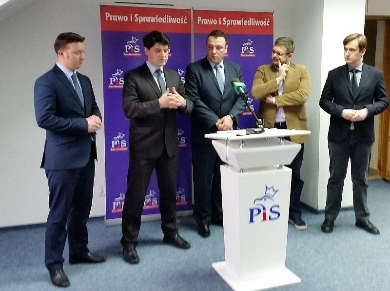 Radni klubu PiS w białostockiej radzie miejskiej mają pomysł na szerokie konsultacje budżetu obywatelskiego na 2016 rok