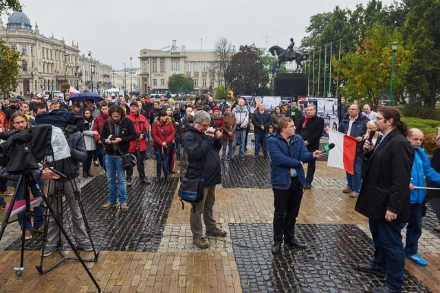 Manifestacja z 17 października ub. r. na placu Litewskim