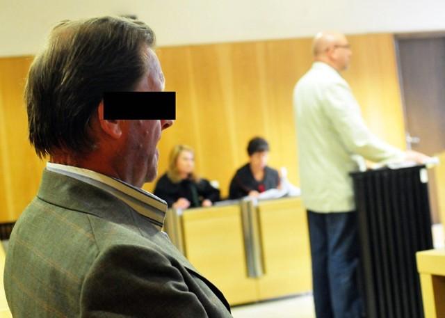 Jan K. (grozi mu od 2 do 12 lat więzienia) nie przyznaje się do winy. Wczoraj sad analizował ekspertyzę z badań DNA.