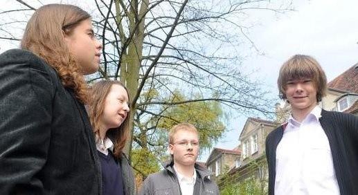 Uczniowie z Gimnazjum nr 42: Kuba Miluch (od lewej), Walerian Sobczak, Patryk Demkowicz i Dominik Grzębka