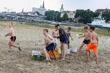 Bitwa na balony z wodą na Wyspie Grodzkiej w Szczecinie. Zobaczcie zdjęcia