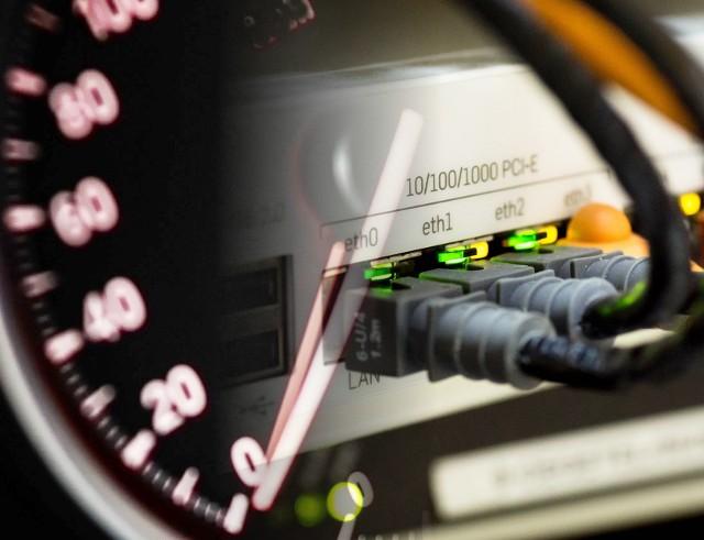 Szybkość internetu z certyfikatem UKE. ProSpeedTest - adres, link; zrób speed test łącza do reklamacji; wolny internet, certyfikat UKE]