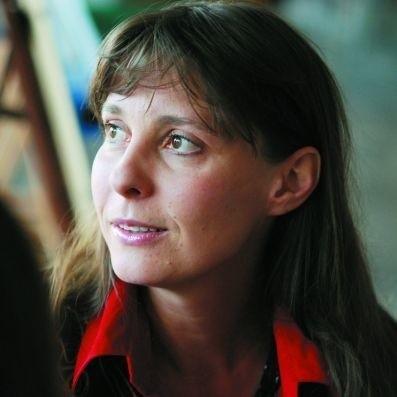 """Justyna Sieńczyłło oprócz teatru występuje w filmach i serialach, m.in. w: """"Klanie"""", """"Kochaj mnie, kochaj"""" czy """"Pensjonacie pod Różą"""""""