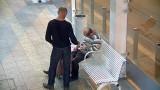 Okradł śpiącego na ławce na przystanku Piotrkowska - Centrum! Nagrał go monitoring