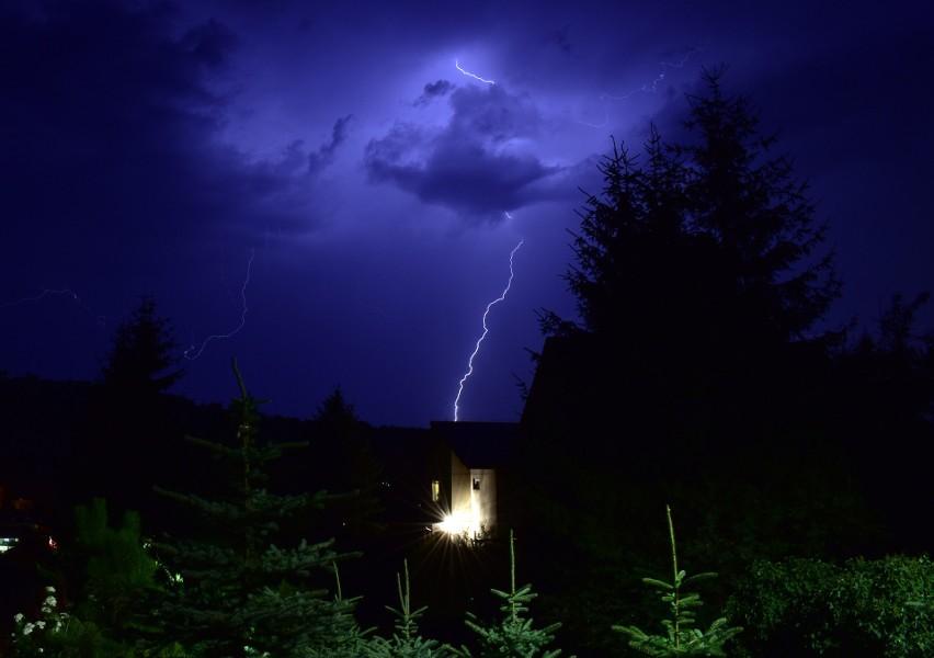 Nocne burze na Podkarpaciu. Dziś będzie podobnie. Zobaczcie zdjęcia