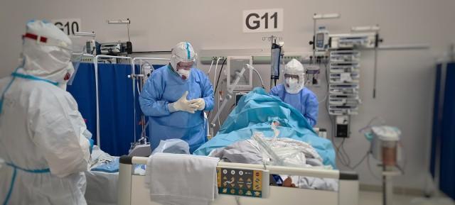 Zobaczcie Tymczasowy Szpital Covid-19 w Opolu w obiektywie Aleksandry Babicz, pielęgniarki z Uniwersyteckiego Szpitala Klinicznego w Opolu.
