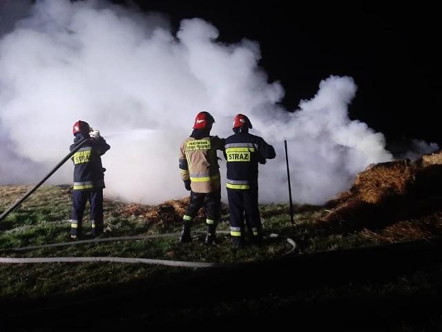 Strażacy już drugi raz gasili pożar w Żukowie w gminie Wieniawa.
