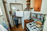 Pan Piotr z Bydgoszczy żyje za 850 zł miesięcznie. Na 14 metrach kwadratowych