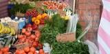 Targowisko w Szydłowcu. Dużo handlujących i kupujących. Ceny warzyw i owoców (ZDJĘCIA)