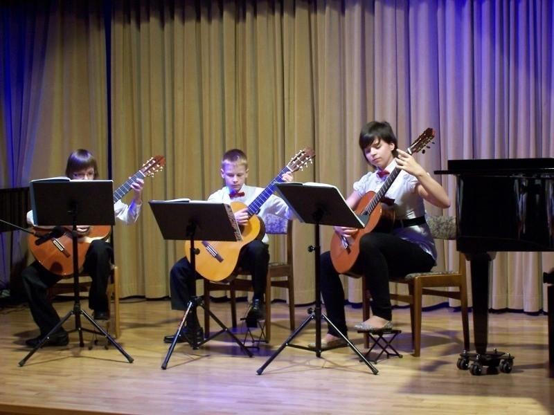Trio gitarowe, od lewej: Marcin Barcz, Marcel Mielczarek i Natalia Morawska.