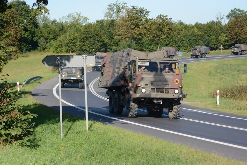Kolumna licząca ponad 20 samochodów ruszyła rano z Chełmna do Warszawy
