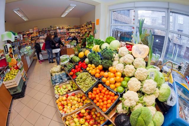 Przed miesiącem to ceny żywności przyczyniły się do spadku inflacji.