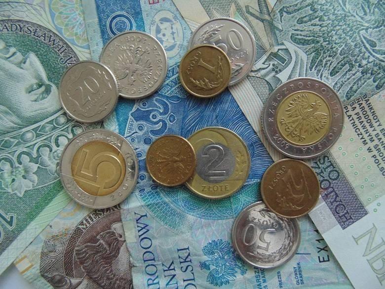 - Kilka razy obróć pieniądz w palcach, zanim go wydasz –...