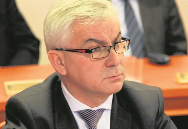 Zenon Żynda decyzją Janusza Śniadka, szefa gdańskiego PiS,  od 2 września jest zawieszony w prawach członka partii
