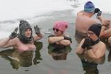 Morsowanie w Katowicach. Idealna pogoda dla Morsów na stawie Morawa